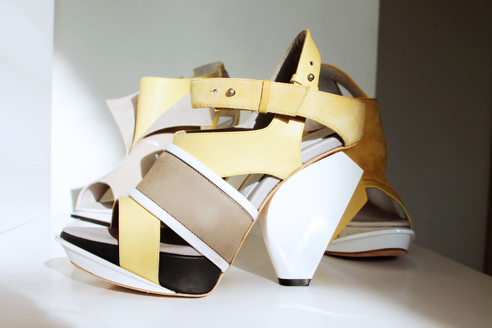 DesignerShowrooms_Shoes_Abscense_3